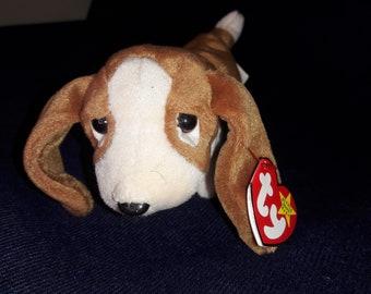 Ty Beanie Baby Tracker MWMT Dog Basset Hound 1997