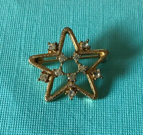 Vintage star brooch, rhinestone star brooch, star