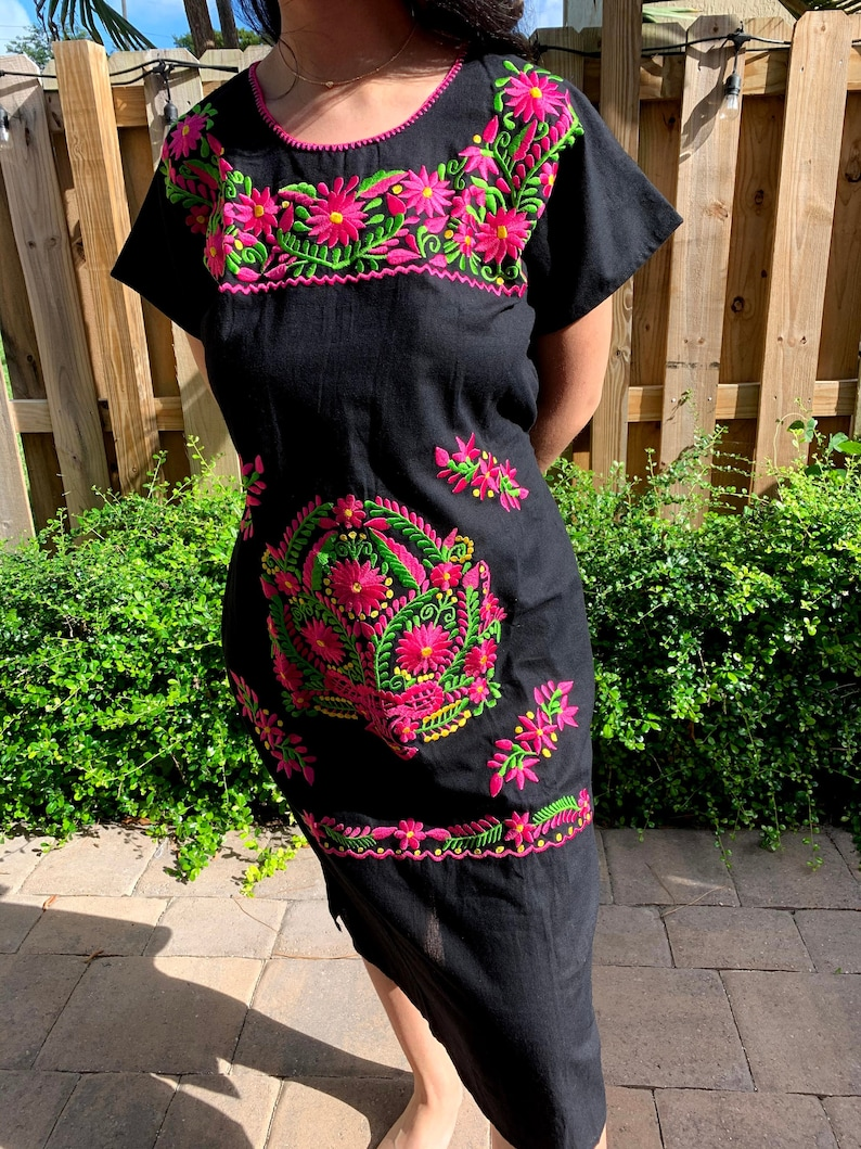 This beautiful Mexican dress for woman is perfect for a birthday party or special event.