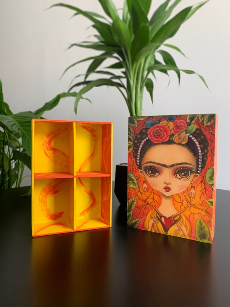 Frida Khalo Beautiful handmade wooden jewelry box with the iconic Image of the Mexican painter Frida Kahlo, Handmande Jewerly Box