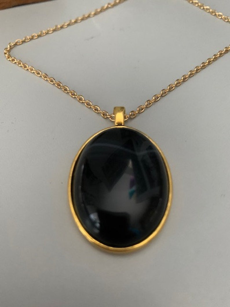item 397 Black Banded Agate Pendant with Gold Alloy Setting and Necklace