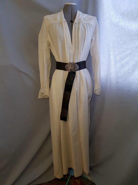 Late 19th / Early 20th Century Night Shirt