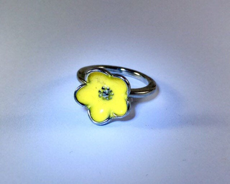 Bright Floral Vintage Statement Ring Set Blue Yellow Flower 2pc Size R