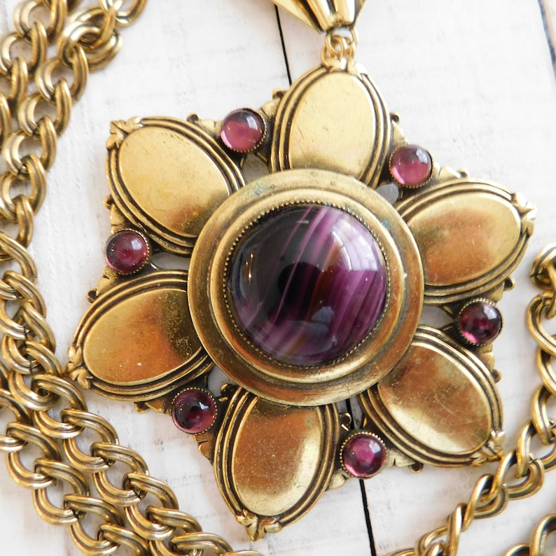 1970s Large Pendant Necklace with Gold Tone Cable Chain