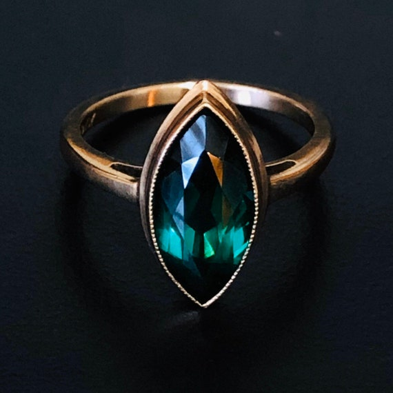 Solid gold emerald ring marquise ring marquis gree