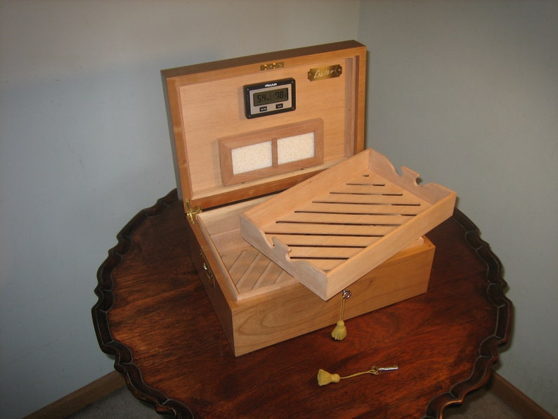Premium Handmade Solid Black Cherry Cigar Humidor image 0