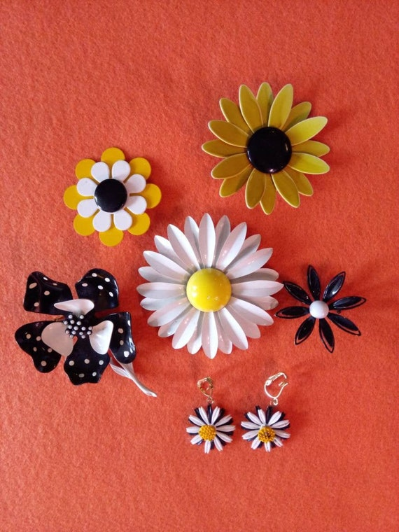Vintage Mod Jewelry Lot