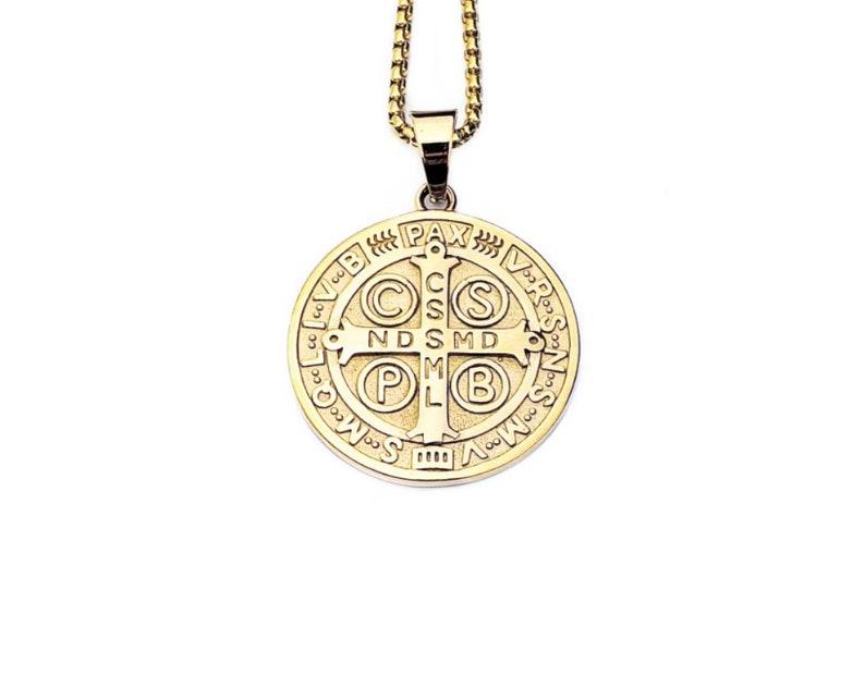Men/'s Gold Stainless Steel Saint Benedict Medallion Pendant Necklace Men Gold Box Chain Necklace Men/'s SAINT BENEDICT MEDALLION Necklace