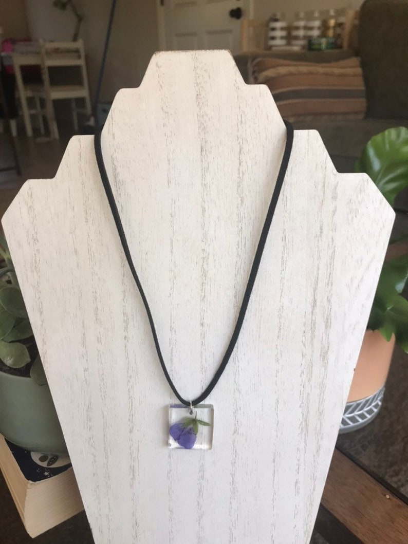 Pressed pansy resin necklace