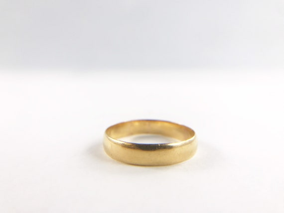 Victorian 22k Gold Wedding Band - Plain solid gold
