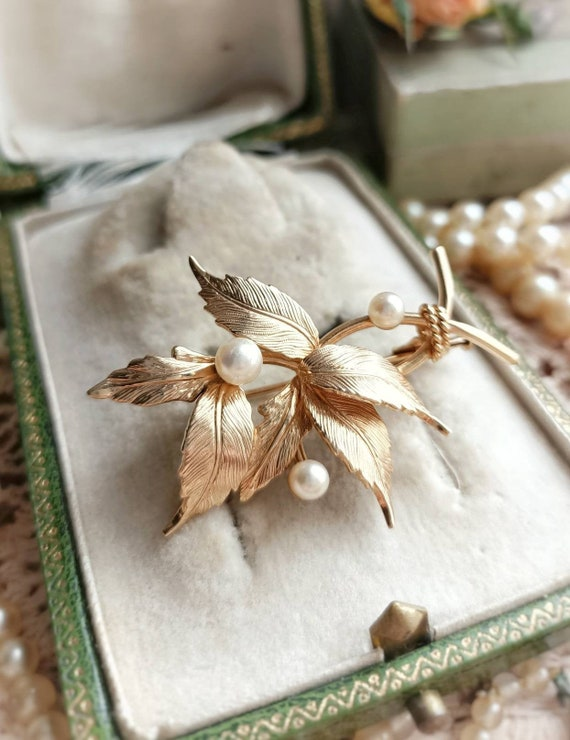 Beautiful French Vintage Gold Plated and Pearl Lea