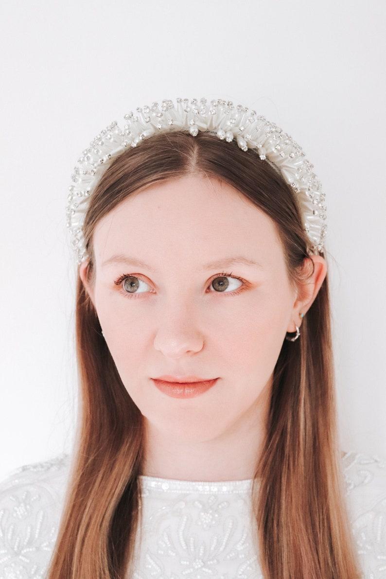 Bridal hair crown Halo Bridal headband Boho headband Pearl image 0