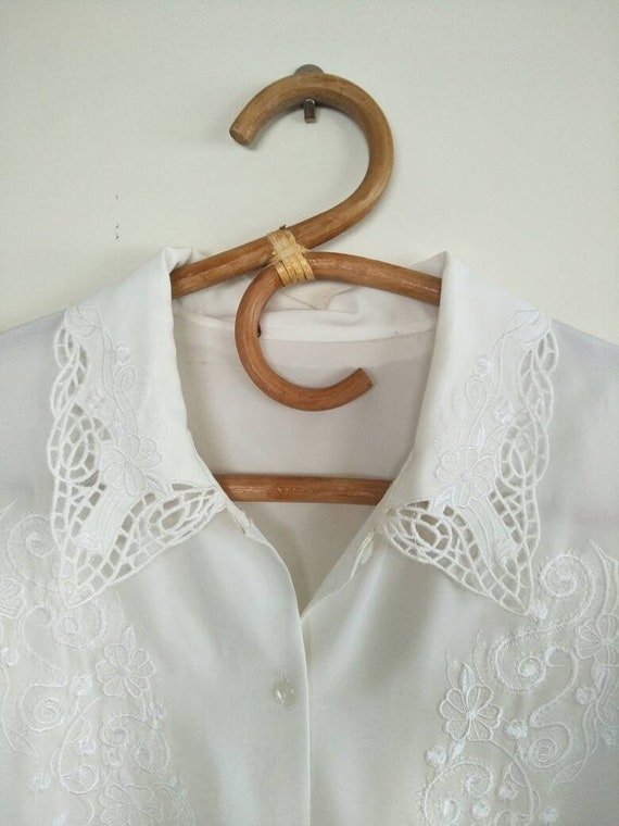 Vintage White Blouse with Detailed Oversized Colla