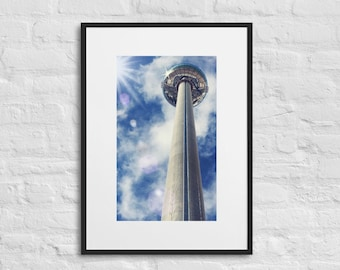 Framed Print of the BA i360 Skyride, Brighton, Wall Art Decor, Matte Paper Poster With Mat Surround