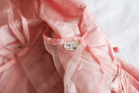 1950s Pink Lace Cap Sleeve Prom Dress - image 9