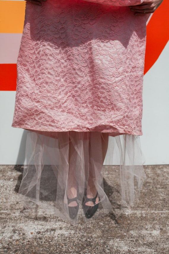 1950s Pink Lace Cap Sleeve Prom Dress - image 8