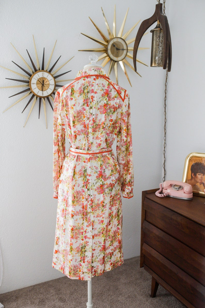 Vintage 1970s Floral Dagger Collar Dress with Pockets
