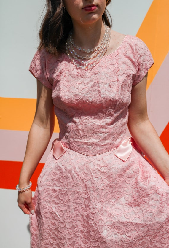 1950s Pink Lace Cap Sleeve Prom Dress - image 3