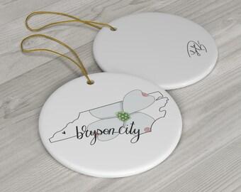 Bryson City, Dogwood, NC, North Carolina Round Ceramic Ornaments