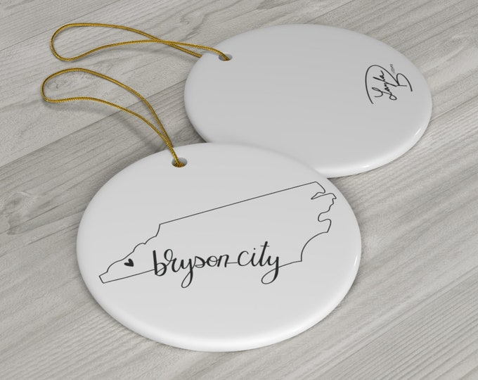 Bryson City, NC, North Carolina, Heart Round Ceramic Ornaments