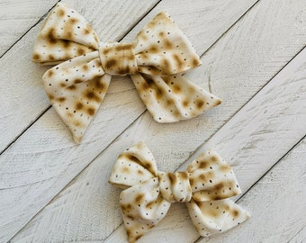 Matzah hair bow or headband, Passover Hair bow, Passover gift, Matzo Headband,  Pesach, Jewish gift for kids