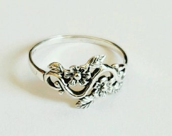 Handcrafted silver ring, Designer silver rings for women, Personalized silver ring with hand carved flowers and leaves.