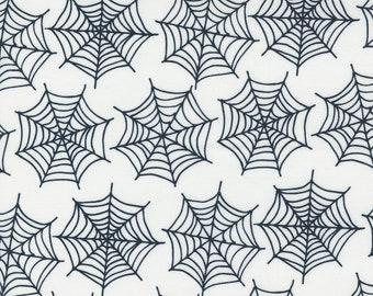 Holiday Essentials Halloween - Spiderwebs - Ghost (White) - 1/4 yard