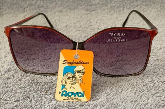 "Vintage 1970's Red & Black ""Sunfashions"" Sunglass… - image 1"