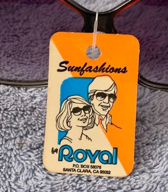 "Vintage 1970's Red & Black ""Sunfashions"" Sunglass… - image 6"