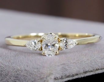 Oval engagement ring Moissanite ring Matching ring Synthetic diamond Lab created\u00a0diamond High Carbon Diamond Gift Simulated diamond ring