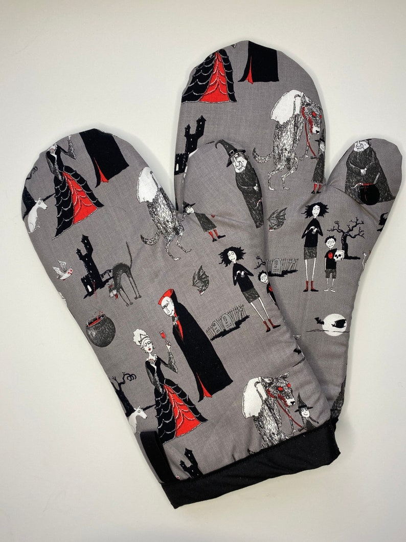 Creepy/ Dracula / Werewolf / Oven mitts/ Oven gloves/ Set of image 0