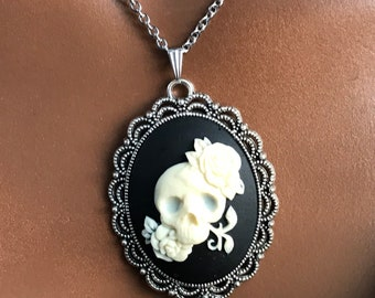 16 or 18 inch Skull and Flower Pendant Necklace for Girls and Women