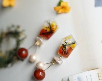 """Flower pearl earrings """" Orange glow"""""""