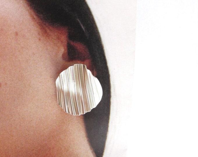 Sterling silver ripple circle stud earrings
