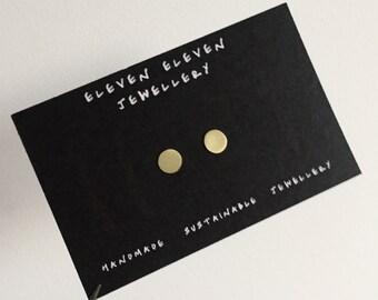 Circle stud mini brass earrings