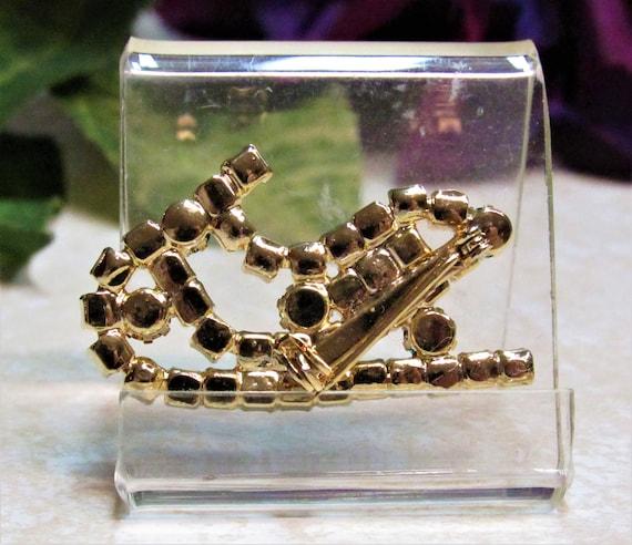 Vintage Rhinestone Santa Sleigh Christmas Pin Bro… - image 2
