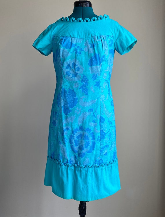 1960's Scalloped Shift Dress