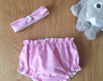 "Birth box in vichy fabric, ""Dragée"" model, bloomer duo and matching headband"