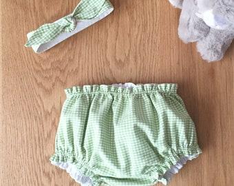 "Birth box in vichy fabric, ""Almond"" model, bloomer duo and matching headband"
