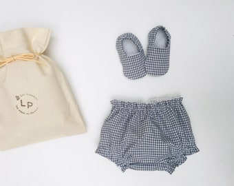 Bloomer boxes and matching slippers in vichy fabric