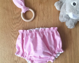 """Birth box in vichy fabric, """"Dragée"""" model, bloomer duo and matching teething ring"""