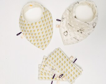 Boxes birth duo of bibs and matching wipes