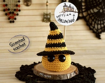 Happy Halloween tiny witch, Aromatic sachet Halloween message, Gift for women, Halloween decoration, Halloween greeting card