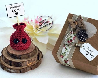 Thinking of you. Tiny scented sachet with miniature messages. I miss you. Gift with customizable card.