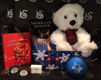 League® Holiday Gift Set with Plush and Book