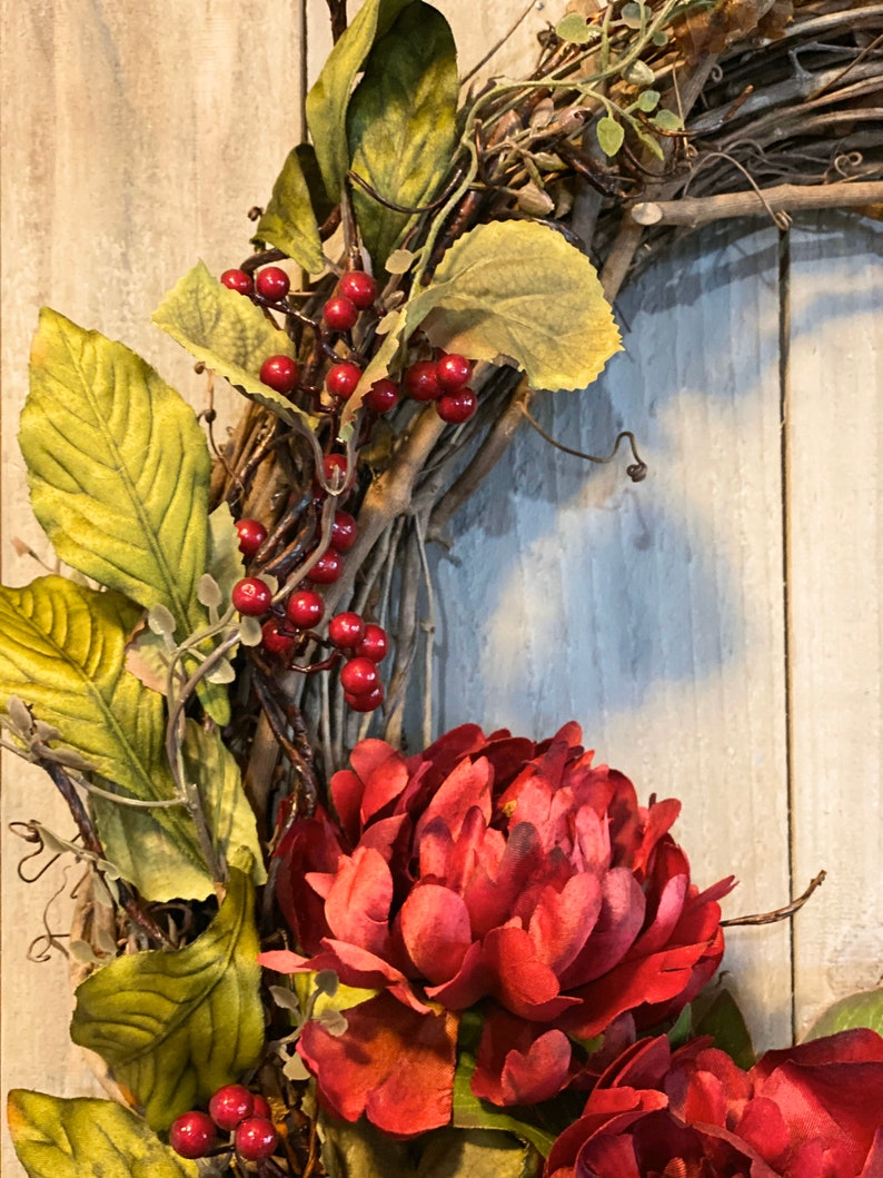 Grapevine Wreath Red Peonies /& berries.