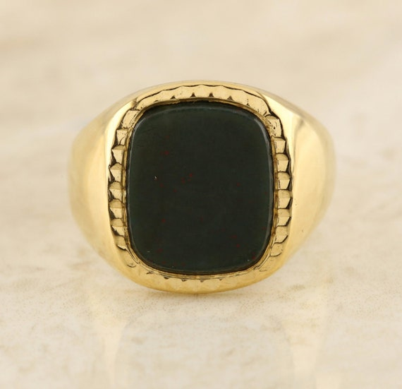 Bloodstone Signet Ring 18ct Yellow Gold