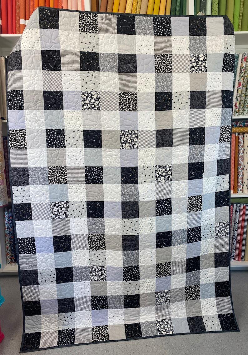 Grey and White Gingham Quilt Kit Black