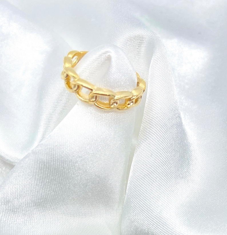 gold stackable ring dainty gold ring gold statement ring trendy chain ring Chained Ring trendy gold ring