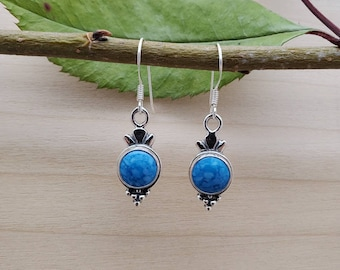 Southwestern Jewelry Made in USA Small Sterling Silver Dangle Earrings Stamping Concho With 3 Feathers Q925 Lapis Blue Dangle Earrings